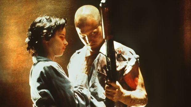 Mickey (Woody Harrelson, r.) und Mallory (Juliette Lewis, l.) sind das berüch...