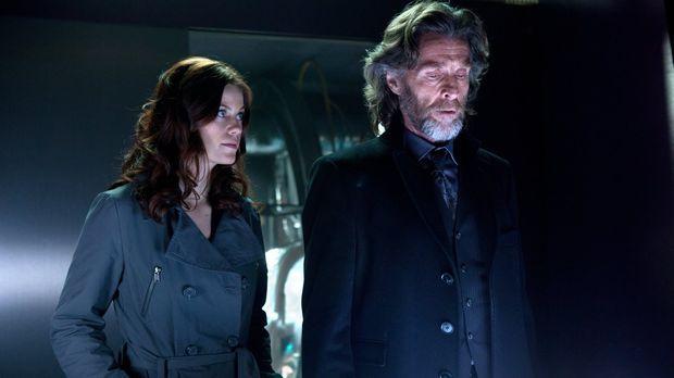 Können sich nicht einigen, wer LuthorCorp haben soll: Tess (Cassidy Freeman,...