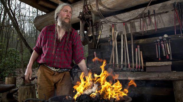 Spielt mit dem Feuer: Eustace Conway ... © Karolina Wojtasik 2012 A+E Networks