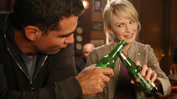 Bahnt sich zwischen Eddie (Bobby Cannavale, l.) und Lilly (Kathryn Morris, r....