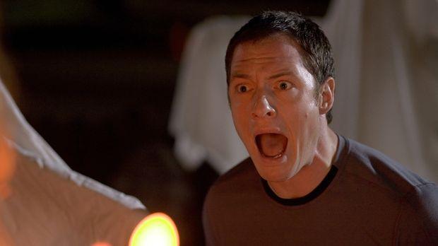 Weil seine Freundin schwer genervt von Halloween ist, bläst sie die Kerze in...