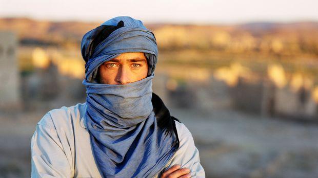 Er muss sich Julias Entführern im Irak stellen: Sascha (Jan Sosniok) ... © Go...