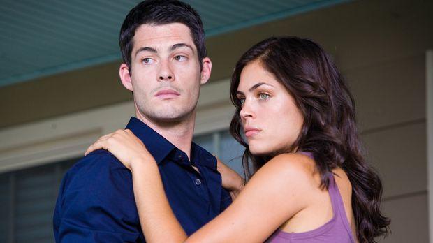 Für seine geliebte Amy (Kelly Thiebaud, r.) kämpft Scott (Brian Hallisay, l.)...