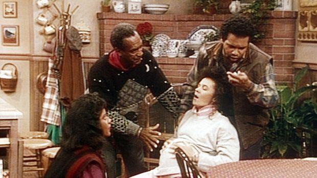 Clair (Phylicia Rashad, l.), Cliff (Bill Cosby, 2.v.l.) und Elvin (Geoffrey O...