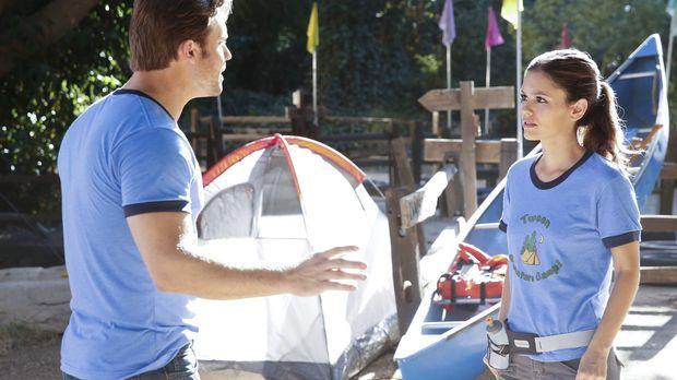 Eigentlich wollte Zoe (Rachel Bilson, r.) zusammen mit Joel ins Abenteuer Cam...