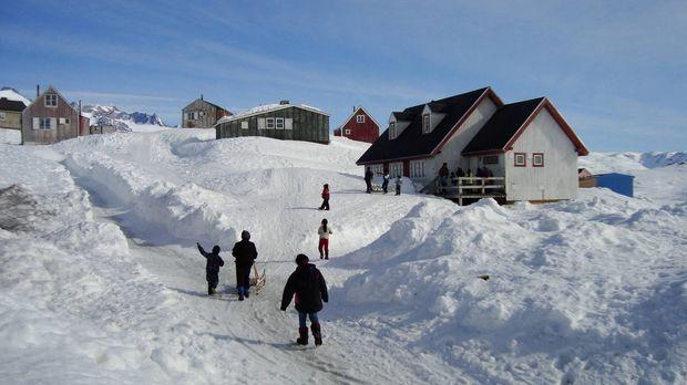 Auf Grönland ticken die Uhren anders: Die Insel ist dünn besiedelt, Vergnügun...