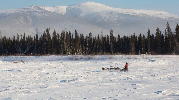 Wenn es Winter wird, wird für die Abenteurer der Alltag in Alaska zu einem tä...