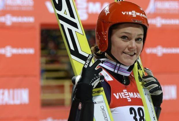 Carina Vogt springt im zweiten Durchgang auf 122,5 Meter