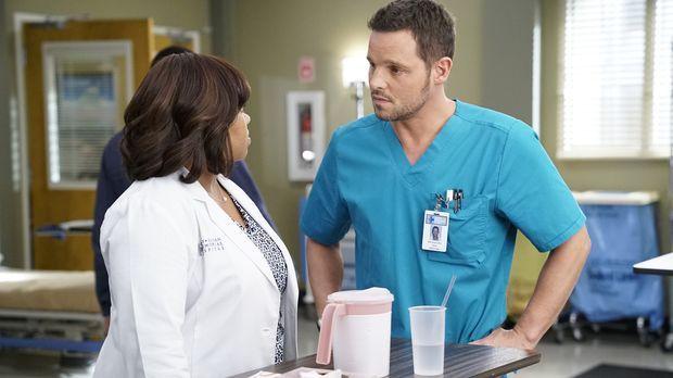 Während im Krankenhaus um das Leben der Patienten gekämpft wird, wird Bailey...