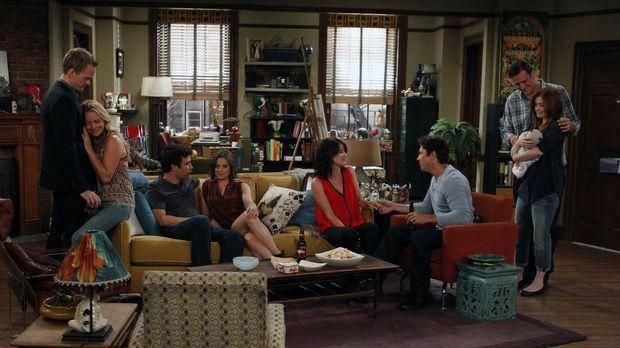 Sommer 2012: Barney (Neil Patrick Harris, l.) und Quinn (Becki Newton, 2.v.l....