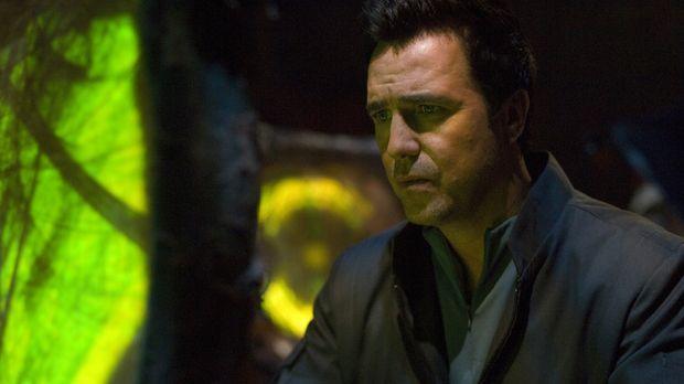 John und sein Team reisen zu einem abgelegen Planeten, um Dr. Beckett (Paul M...