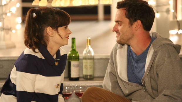 Jess (Zooey Deschanel, l.) und Nick (Jake M. Johnson, r.) laden die Gang auf...