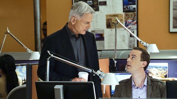 Ein neuer Fall wartet auf Gibbs (Mark Harmon, l.) und McGee (Sean Murray, r.)...