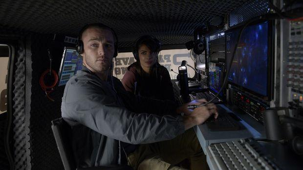 Eine neue Aufgabe wartet auf Alex (Priyanka Chopra, r.) und Ryan (Jake McLaug...