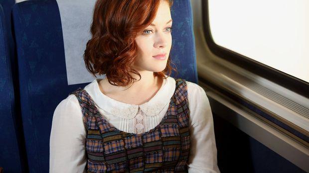 Während Tessa (Jane Levy) nach den Sommerferien wieder nach Chatswin kommt, e...