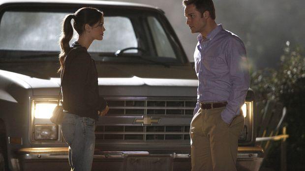 Mit der Situation überfordert, vertraut sich Zoe (Rachel Bilson, l.) ausgerec...