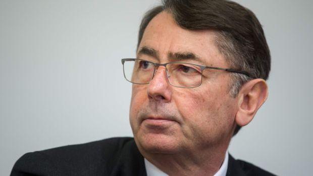 Ex-Vorstandschef Georg Funke im Prozess um die Pleite der HRE-Bankengruppe