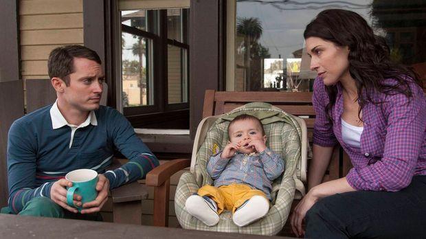 Ryan (Elijah Wood, l.) ist sich nicht sicher, ob Kristens (Dorian Brown, r.)...