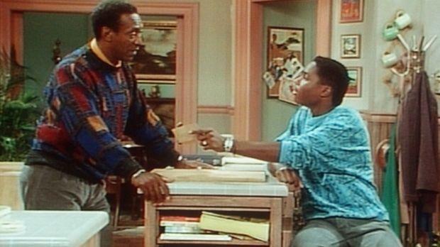 Standhaft wehrt sich Cliff (Bill Cosby, l.) gegen die Sandwiches, die ihm The...