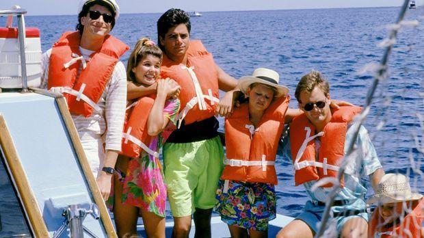 Eigentlich wollte Danny (Bob Saget, l.) Becky (Lori Loughlin, 2.v.l.), Jesse...