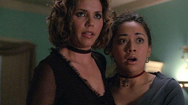 Cordelia (Charisma Carpenter, l.) und Cynthia (Aimee Garcia, r.) schweben in...