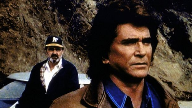 Mark (Victor French, l.) hat Jonathan (Michael Landon, r.) nach langer Zeit d...