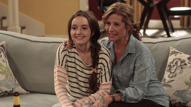 Werden Eve (Kaitlyn Dever, l.) und ihr Mutter Vanessa (Nancy Travis, r.) endl...