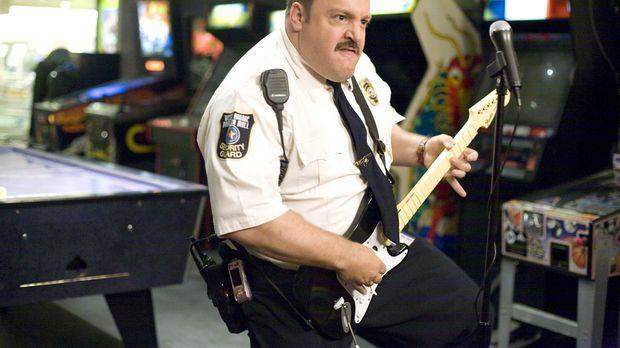 Paul Blart (Kevin James) wünscht sich nichts sehnlicher, als Polizist zu werd...