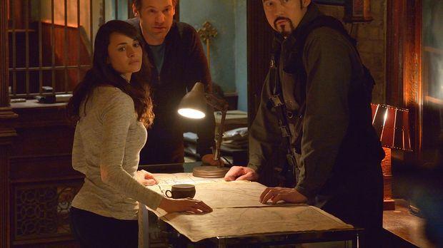 Nachdem der Master entkommen konnte, müssen Nora (Mia Maestro, l.), Eph (Core...