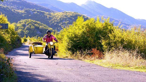 In Montenegro lernt Leon einen Bauern und dessen Familie kennen. Seit über 20...