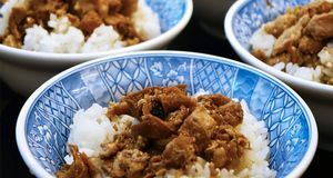 Sieht aus wie Fleisch, ist aber keins. Rezepte mit Tofu können nicht nur in A...