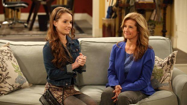 Eve (Kaitlyn Dever, l.) hat einen neuen Freund, über den sie zu Hause noch ni...