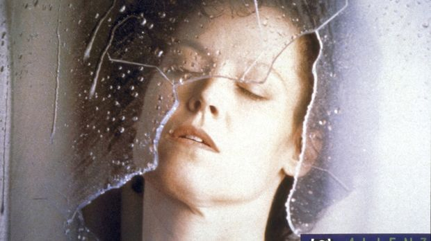 Leutnant Ellen Ripley (Sigourney Weaver) überlebt als einzige die Notlandung...