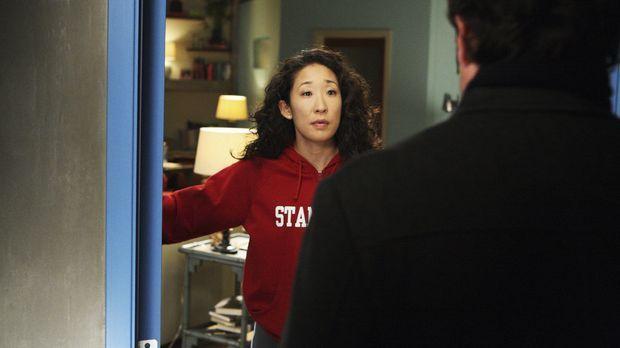 Während Izzie weiterhin von Denny aufgesucht wird, plant Derek (Patrick Demps...