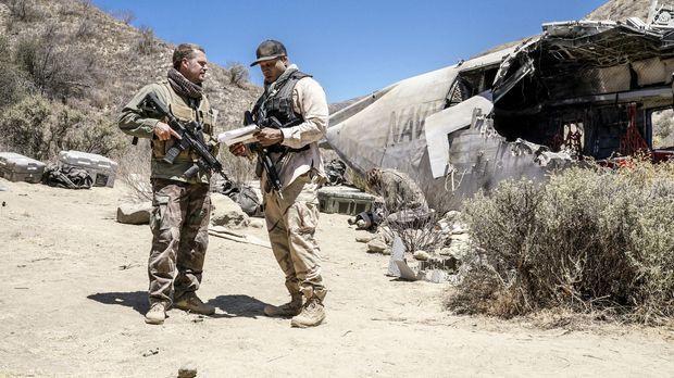 Das Team um Callen (Chris O'Donnell, l.) und Sam (LL Cool J, r.) reist nach S...