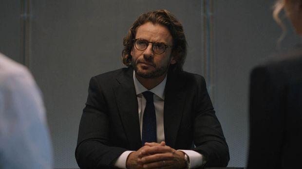 Würde Manager Edgar Horvet (Stephan Luca) für sein Großprojekt über Leichen g...