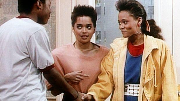 Theo (Malcolm-Jamal Warner, l.) lernt Denises (Lisa Bonet, M.) Schulfreundin...