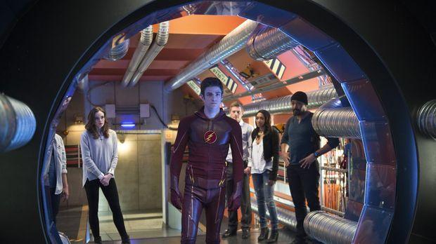 Dieser Tag wird im Leben von Cisco, Caitlin (Danielle Panabaker, l.), Barry a...