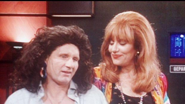 Als Rockmusiker verkleidet, hoffen Al (Ed O'Neill, l.) und Peggy (Katey Sagal...