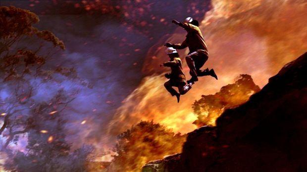 Die Feuerwehrmänner riskieren Kopf und Kragen, doch der Feuersturm rast weite...