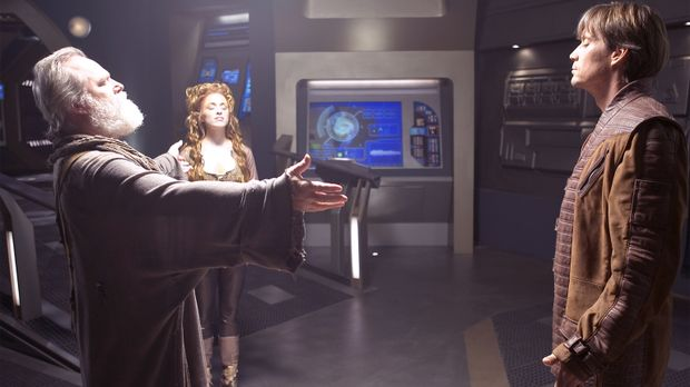 Als Flavin (Alan Scarfe, l.) unerwartet auf die Andromeda zurückkehrt, hat er...