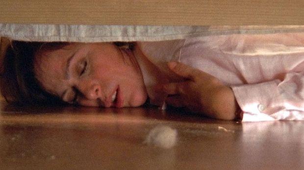 Lois (Jane Kaczmarek), die tagelang nicht geschlafen hat, fällt völlig übermü...