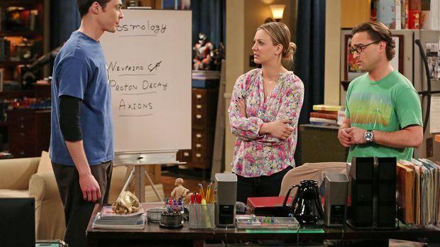 Um Sheldon (Jim Parsons, l.) auf andere Gedanken zu bringen, beschließen Penn...