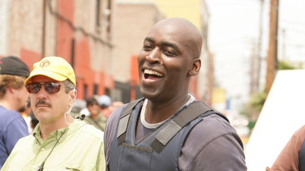 Ahnt Detektive Julien Lowe (Michael Jace) was Mackey und Vendrell für unrecht...