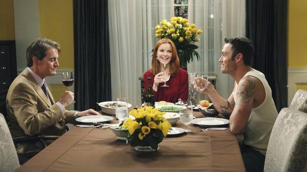 Während Carlos und Gaby einen Psychiater aufsuchen, bekommen Bree (Marcia Cro...