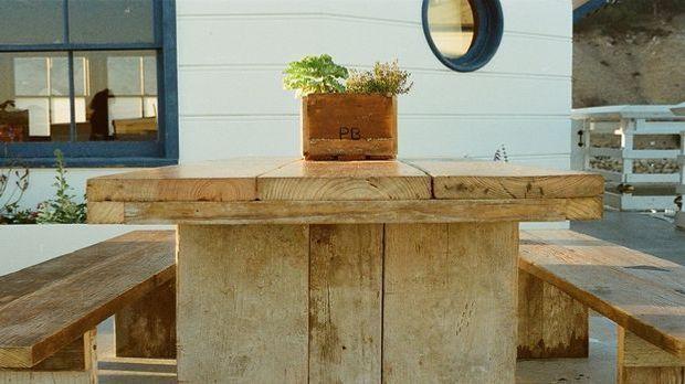 Gartentisch selber bauen Pixabay