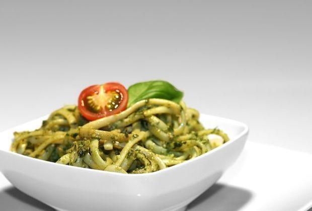 Leicht zuzubereiten, lecker und ein echter Sattmacher: Pestonudeln.