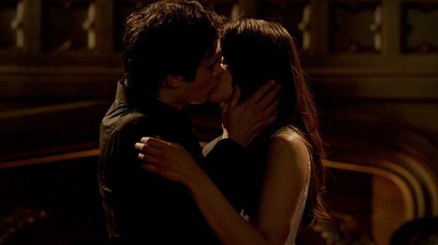 Wie es in der 5. Staffel Vampire Diaries mit Damon (Ian Somerhalder), Elena (...