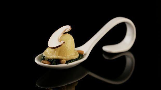 The-Taste-Stf02-Epi01-Ravioli-Manuel-Laschkowski-7-Sat-1-Young-Soo- Chang