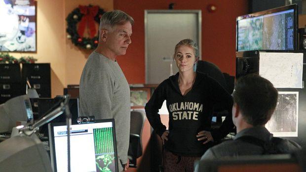 Müssen in einem Hackerangriff ermitteln: Gibbs (Mark Harmon, l.), Bishop (Emi...